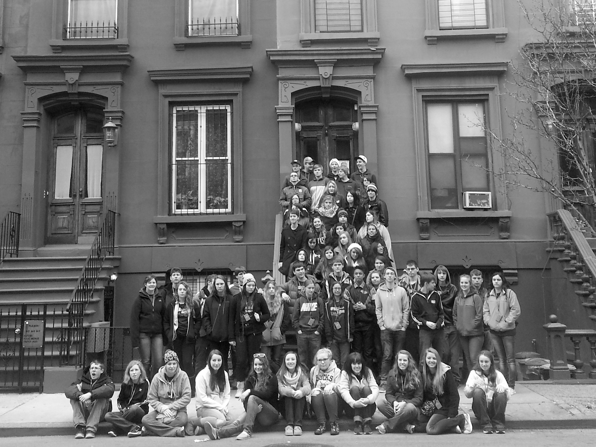 students-recreate-the-most-famous-photo-in-the-history-of-harlem-jazz